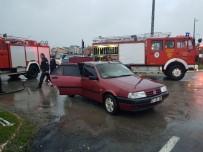 Otomobil Alev Aldı, Sürücünün Yüzü Yandı