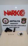 RUHSATSIZ SİLAH - Polis Uyuşturucu Ve Ruhsatsız Silah Ele Geçirdi