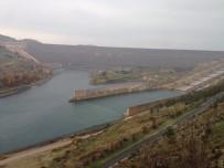 ADıYAMAN ÜNIVERSITESI - Adıyaman Üniversitesi Öğrencilerinden Atatürk Barajına Teknik Gezi