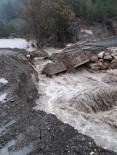 TOPRAK KAYMASI - Erdemli'de Dereler Taştı, Köprü Çöktü