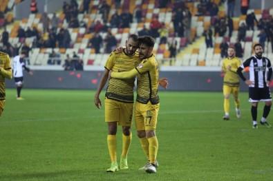 Evkur Yeni Malatyaspor  Kupada Rahat Kazandı