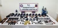 KURUSIKI TABANCA - Jandarmadan Silah Kaçakçılarına Darbe Açıklaması 5 Gözaltı