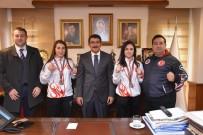 FARUK ÇELİK - Şampiyonluk Sevinçlerini Başkan Çelik'le Paylaştılar