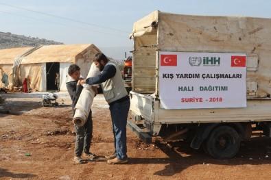 Suriye'deki Kamplarda Yaşayanlara Halı Ve Mat Yardımı