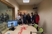 KIRMIZI HALI - Anadolu Üniversitesi Rektörü Çomaklı, Radyo A'nın Konuğu Oldu