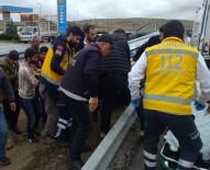 Bariyerlere Çarpan Otomobil Takla Attı Açıklaması 4 Yaralı