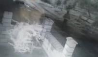 HUZUR MAHALLESİ - Camını Kırdıkları Araçtaki 15 Bin TL'lik İnşaat Malzemesini Çaldılar