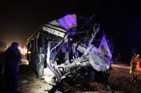 Diyarbakır'da Feci Kaza Açıklaması 4 Ölü, 5'İ Ağır 25 Yaralı