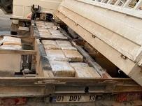 Kamyonetin Gizli Bölmesinden 115 Kilo Esrar Çıktı