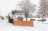 NEVŞEHİR BELEDİYESİ - Nevşehir Belediyesi Karla Mücadelesine Devam Ediyor