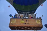 KAPADOKYA - Kapadokya'da Balonlar 4 Gün Aradan Sonra Yeniden Havalandı