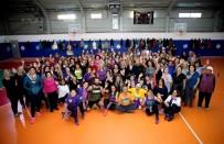 HÜSEYIN MUTLU - Karşıyakalı Kadınlar Sporda Buluştu