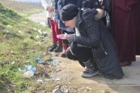 KADIN CİNAYETLERİ - Merve'nin Öldürüldüğü Yere Karanfil Bıraktılar