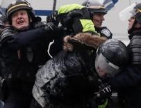 Paris'te polis 'Sarı Yeleklilere' biber gazıyla müdahale ediyor