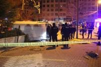HATALI DÖNÜŞ - Polis Aracı İle Otomobil Çarpıştı Açıklaması1 Şehit, 4 Yaralı