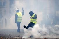 ZIRHLI ARAÇLAR - Sarı Yelekliler Paris Sokaklarında