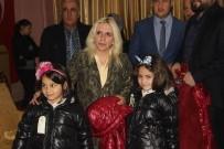 MEZHEP - Yetim Çocuklara Giysi Yardımı