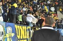 FENERBAHÇE - Akhisar'da Fenerbahçe Tribününde Kan Aktı
