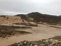 SU TAŞKINI - IKBY'de Sel Felaketi Açıklaması Baraj Çöktü