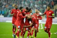 MEVLÜT ERDINÇ - Spor Toto Süper Lig Açıklaması Bursaspor Açıklaması 0 - Antalyaspor Açıklaması 2 (İlk Yarı)