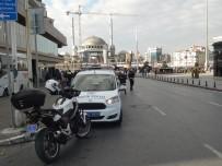 TÜRK LIRASı - Taksim Meydanı'ndaki Uygulamada Kurallara Uymayan Sürücülere Ceza Yağdı