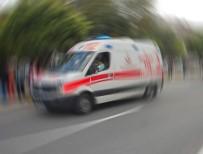 Araç Trafik İşaret Levhasına Girdi Açıklaması 1 Ölü, 5 Yaralı