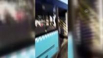 HAYDARPAŞA - GÜNCELLEME - Otobüs Durakta Bekleyenlere Çarptı Açıklaması 3 Ölü
