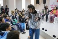 GÜZELYALı - Konak'ta, Tatilde Tiyatro Keyfi