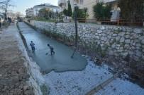 Milas'ta Balavca Deresi Islah Ediliyor