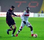 OSMAN KAYMAK - Samsunspor'da Tahta Açılamadı, 6 Futbolcunun Yeri Dolmadı
