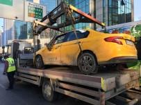 BÜYÜKDERE - Sollama Yaparken Bir Araca Çarpan Ticari Taksi Takla Attı