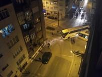 HASAN POLATKAN - Tramvay İle Otobüs Çarpıştı