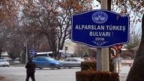 MÜCAHİT YANILMAZ - Türk Siyasi Tarihine Damga Vuran İsimler Bulvarda Kesişiyor