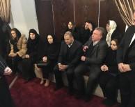 SABAH NAMAZı - 7 Ülkeden 40 Torunu Sultan 2'İnci Abdülhamid Han'ın Kabrini Ziyaret Etti