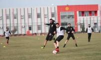 YÜCEL İLDIZ - Eskişehirspor'da Çalışmalar Tamamlandı