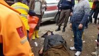 Freni Patlayan İşçi Servisi Evin Duvarına Çarptı Açıklaması 16 Yaralı