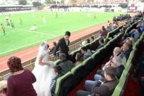 AMED - Gelin Damat Düğünden Önce Maça Geldi