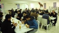 SABAH NAMAZı - Özkan, Hacı Ali Camii'nde Vatandaşlarla Buluştu