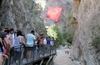 KANYON - Saklıkent Kanyonu'na Ziyaretçi Akını