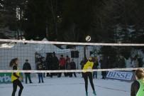 TÜRKIYE VOLEYBOL FEDERASYONU - Artvin'de Kar Voleybolu Şampiyonası Sona Erdi