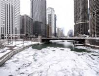 KAR FIRTINASI - Chicago'yu vuran kar fırtınası etkili olmaya devam ediyor