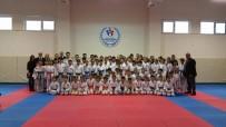 YENIKENT - Eskişehirli Öğrencilerin Karate Mücadelesi