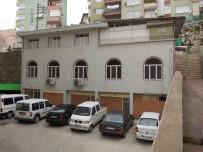 ONARIM ÇALIŞMASI - İzmit Belediyesi'nden Camilere Büyük Hizmet