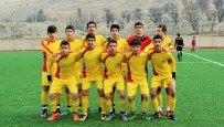 Malatyalı Gençlerin Gollerden Sonra Asker Selamı Vermesi Büyük Alkış Aldı