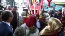 GELİN ARABASI - Manisa'da 'Kepçeli' Düğün Konvoyu