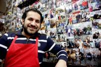 MUŞLU - Müşterilerinin Fotoğrafını Duvara Asıyor, Öğrencilere Saatliği 1 Dolara İş İmkanı Sağlıyor
