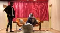 'O Neydi Gı' Adlı Tiyatro Oyunu Akçadağ'da Sahnelendi