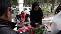 ÖZGECAN ASLAN - Özgecan Aslan, Ölümünün 3. Yılında Mezarı Başında Anıldı