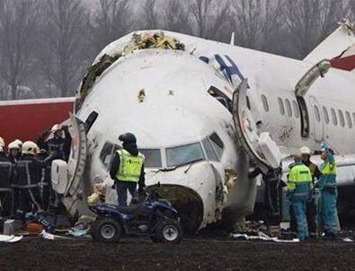 71 kişi taşıyan Rus yolcu uçağı düştü