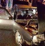 BAŞPıNAR - Sakarya'da İki Otomobil Çarpıştı Açıklaması 4 Yaralı
